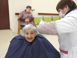 疫情无情人有情 致敬百康年养老院一线员工